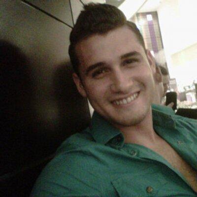 Fans Carlos Arrechea   Social Profile