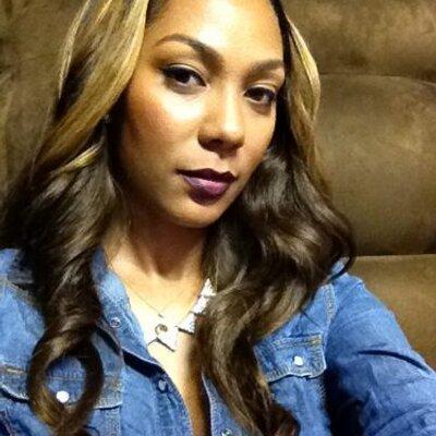 Lindsay J. | Social Profile