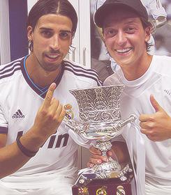 Mesut Özil fans ♔ Social Profile