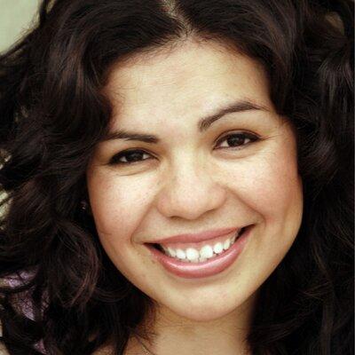 Benita Veliz   Social Profile