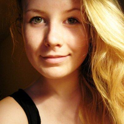 Kun Barbara Nelly | Social Profile