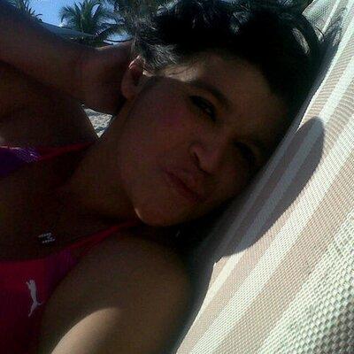 Alejandra Frias | Social Profile