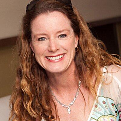 Eileen Calandro | Social Profile