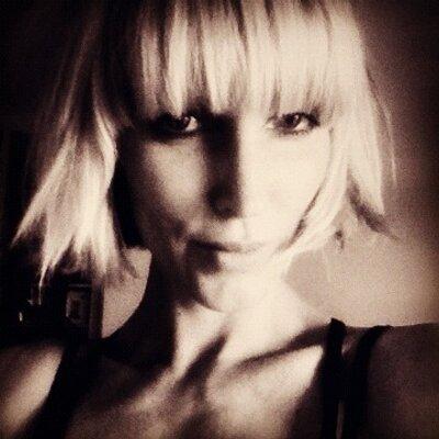 Amy Komorowski | Social Profile