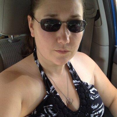 Renee Reyle B | Social Profile