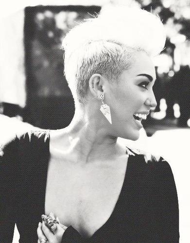 Miley Cyrus Team