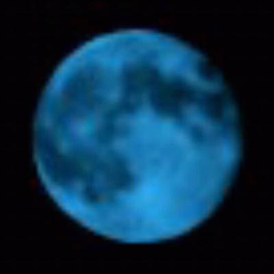 Der Blaue Mond | Social Profile