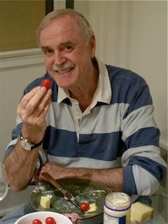 Follow John Cleese Twitter Profile