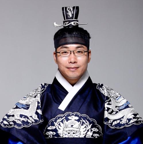 박준규/ 칭찬당 당주 Social Profile