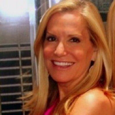 Amy Rosenblum   Social Profile