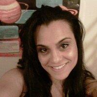 Jenny Que | Social Profile