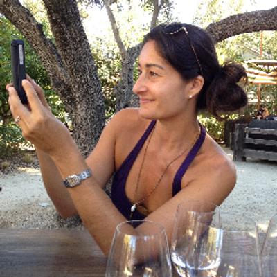 nina sadjadpour | Social Profile