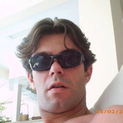 Tiago Prado | Social Profile