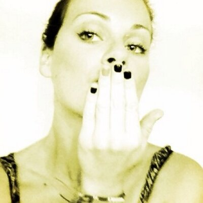 anna bates | Social Profile