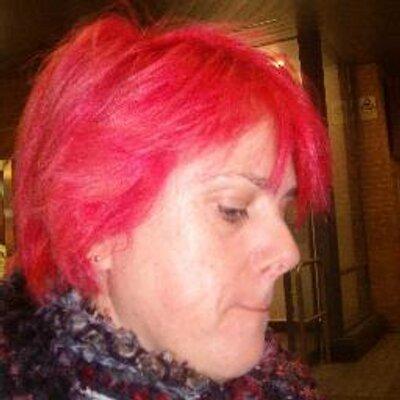 Helen Schofield | Social Profile