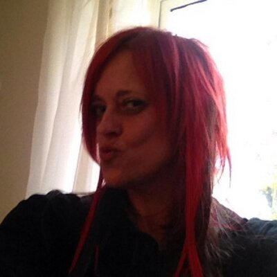 Lisa Battersby | Social Profile