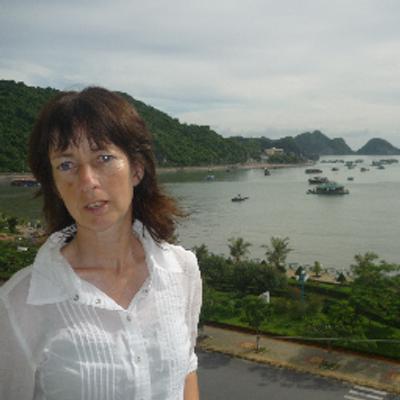 Helen Crump | Social Profile