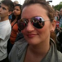 Rebecca Elliott | Social Profile
