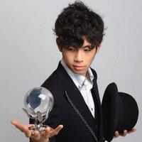 Entertainer Hi2 | Social Profile