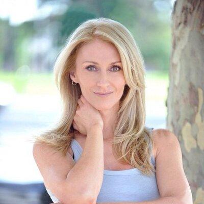 Donna Aston | Social Profile