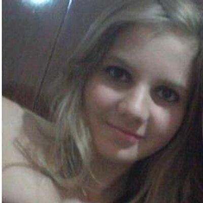 Camila Puydinger | Social Profile
