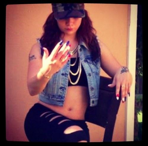 Felicia Nicolle Social Profile