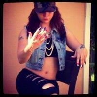 Felicia Nicolle | Social Profile