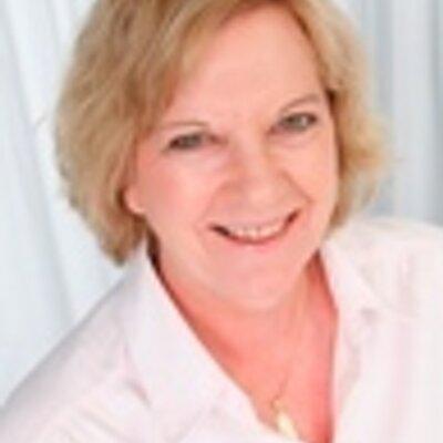 Susan Oakes | Social Profile