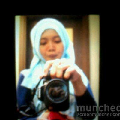 Noor Nailussyarifah   Social Profile