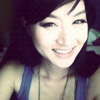 Yoom | Social Profile
