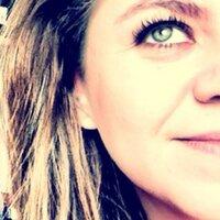 Emilia Brito | Social Profile
