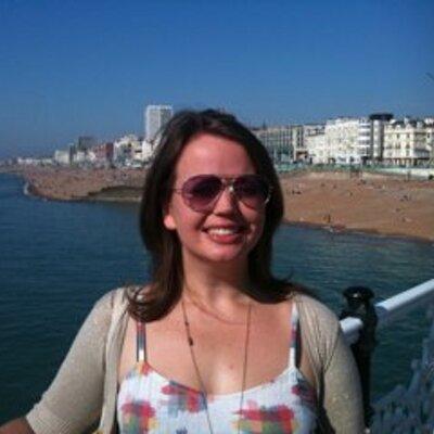 LauraOliver | Social Profile