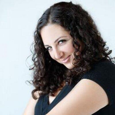 Natalie V | Social Profile