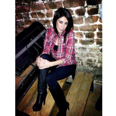 ebru tastan | Social Profile