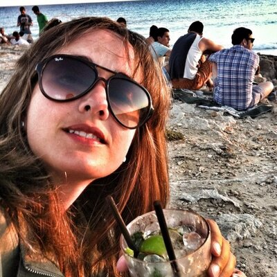 Anna Rioja | Social Profile