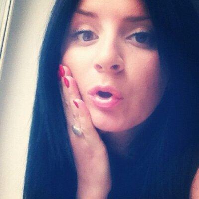 AnnySanny   Social Profile