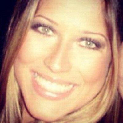 Renata Muller | Social Profile