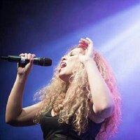Julia van d Ketterij   Social Profile