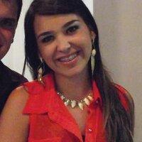 Camila Roos  | Social Profile