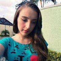 Débora Lima ∞ | Social Profile