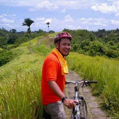 Nur Hidayat Santoso | Social Profile