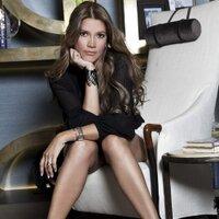 Claudia Zuleta | Social Profile