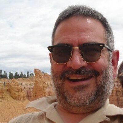 Luis Marentes | Social Profile
