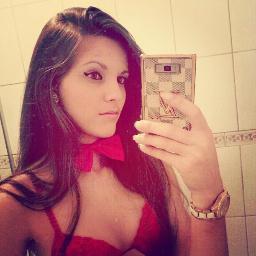 Gabriela Morais Social Profile