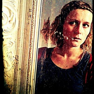 Eline Rousseau | Social Profile