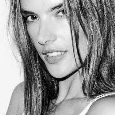 Alessandra Ambrósio | Social Profile