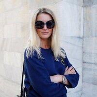 Rebecca Lowthorpe | Social Profile