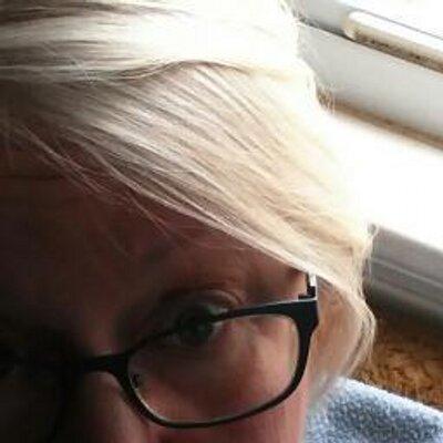 Linda Mills | Social Profile