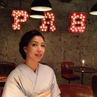 由貴 | Social Profile