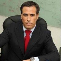 Dr. Navarrete | Social Profile